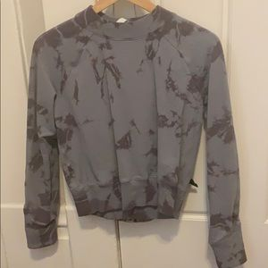 LULULEMON pullover, brand new w/o tags